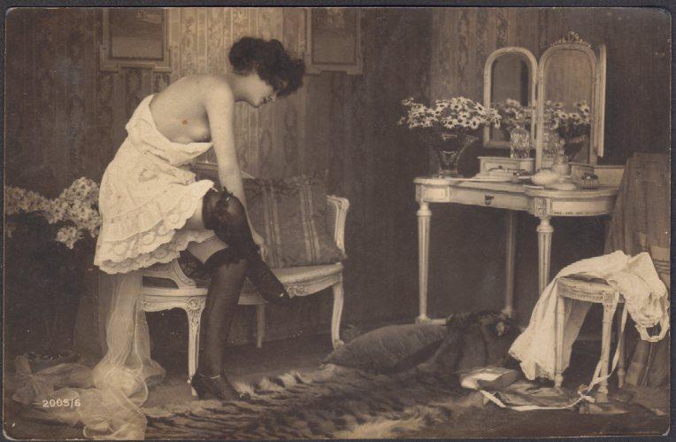boudoir-scene-with-tiger-rug